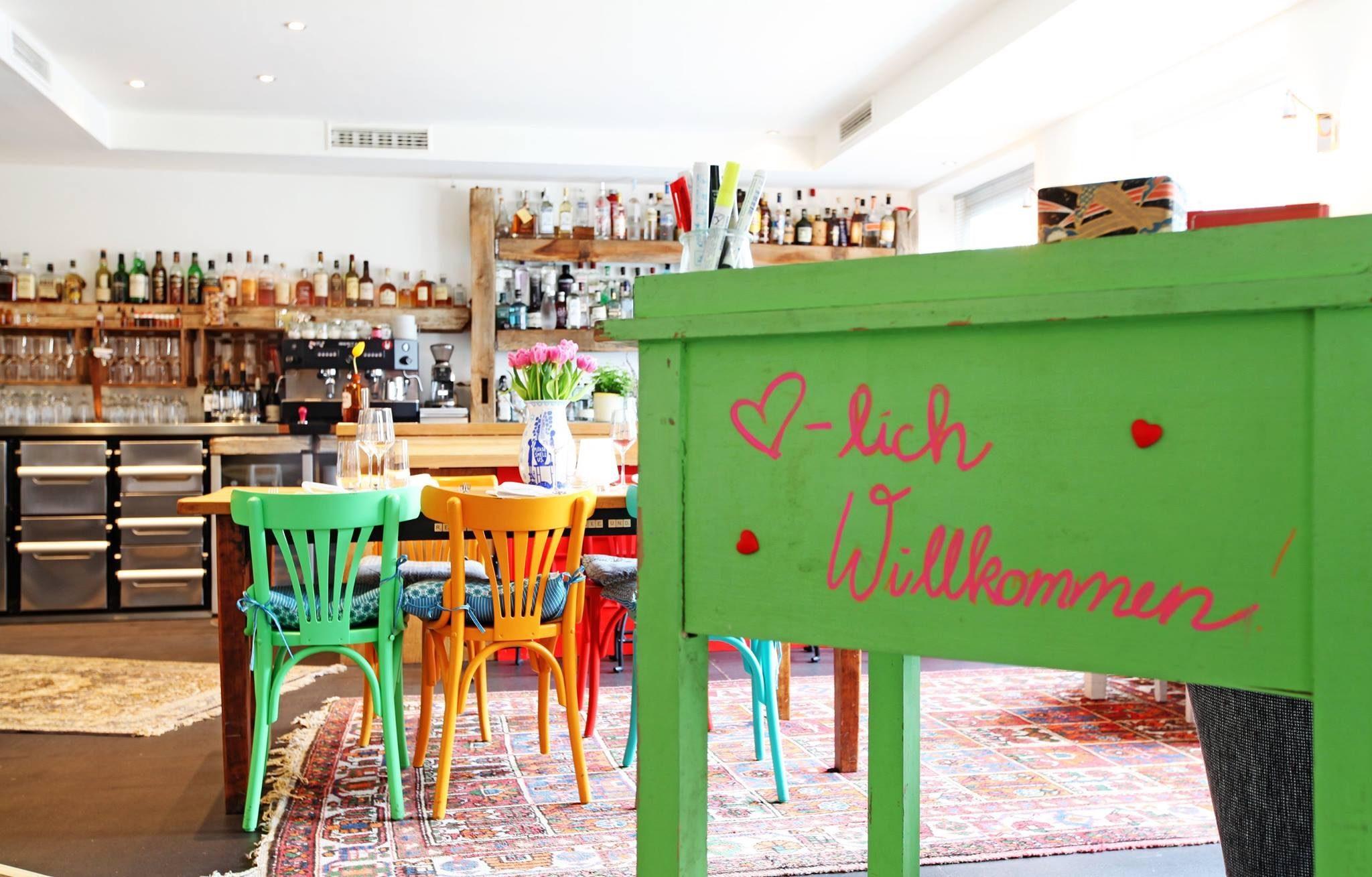 Einblick in die Bar Rotkehlchen in München