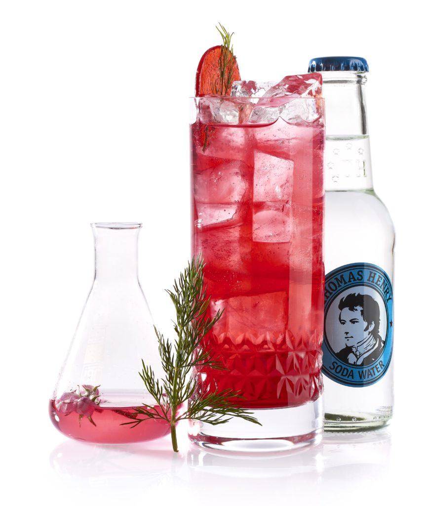 Der Red Little Cocktail mit Thomas Henry Soda Water