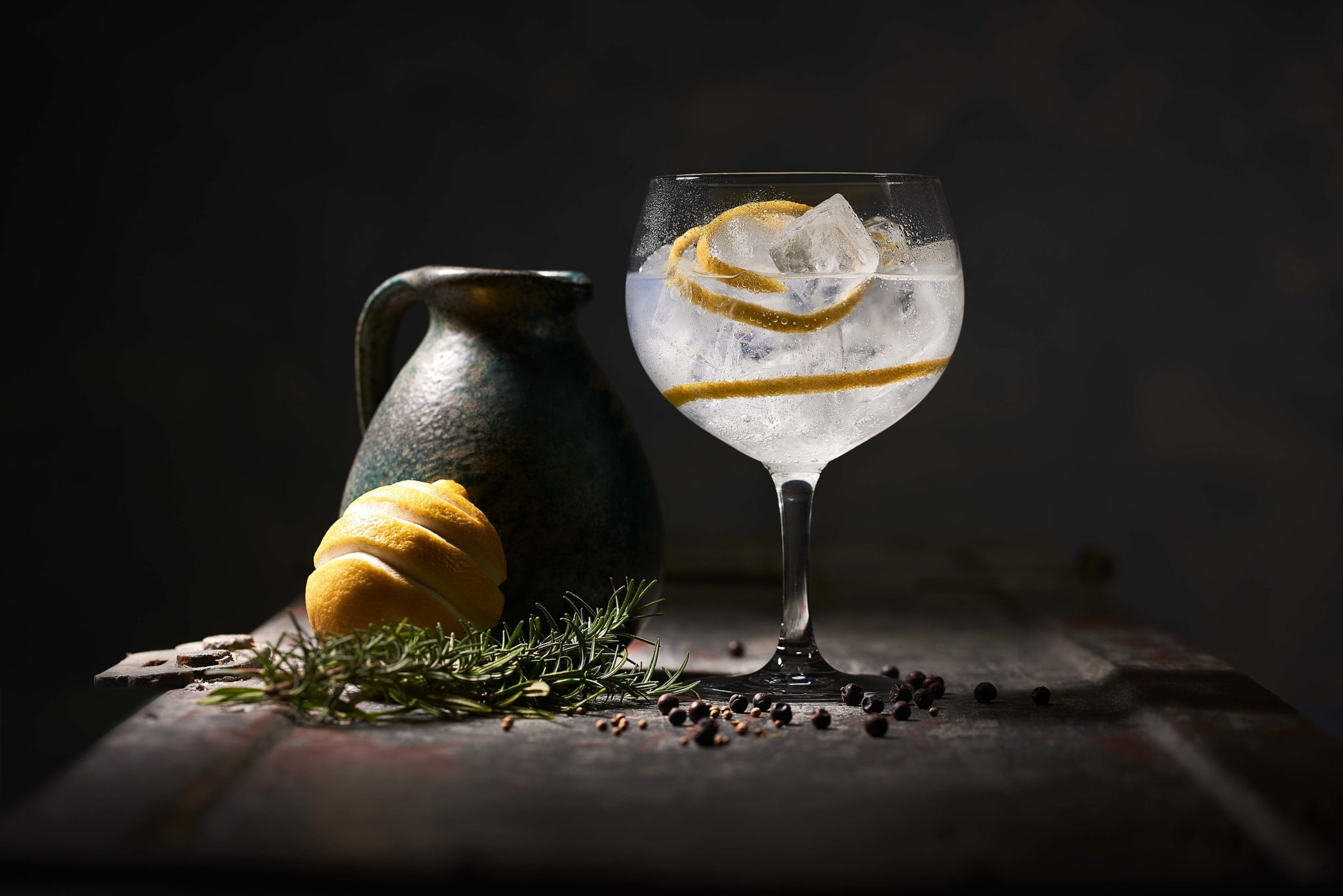 Mood-Setting des Gin Tonic mit Thomas Henry Tonic Water