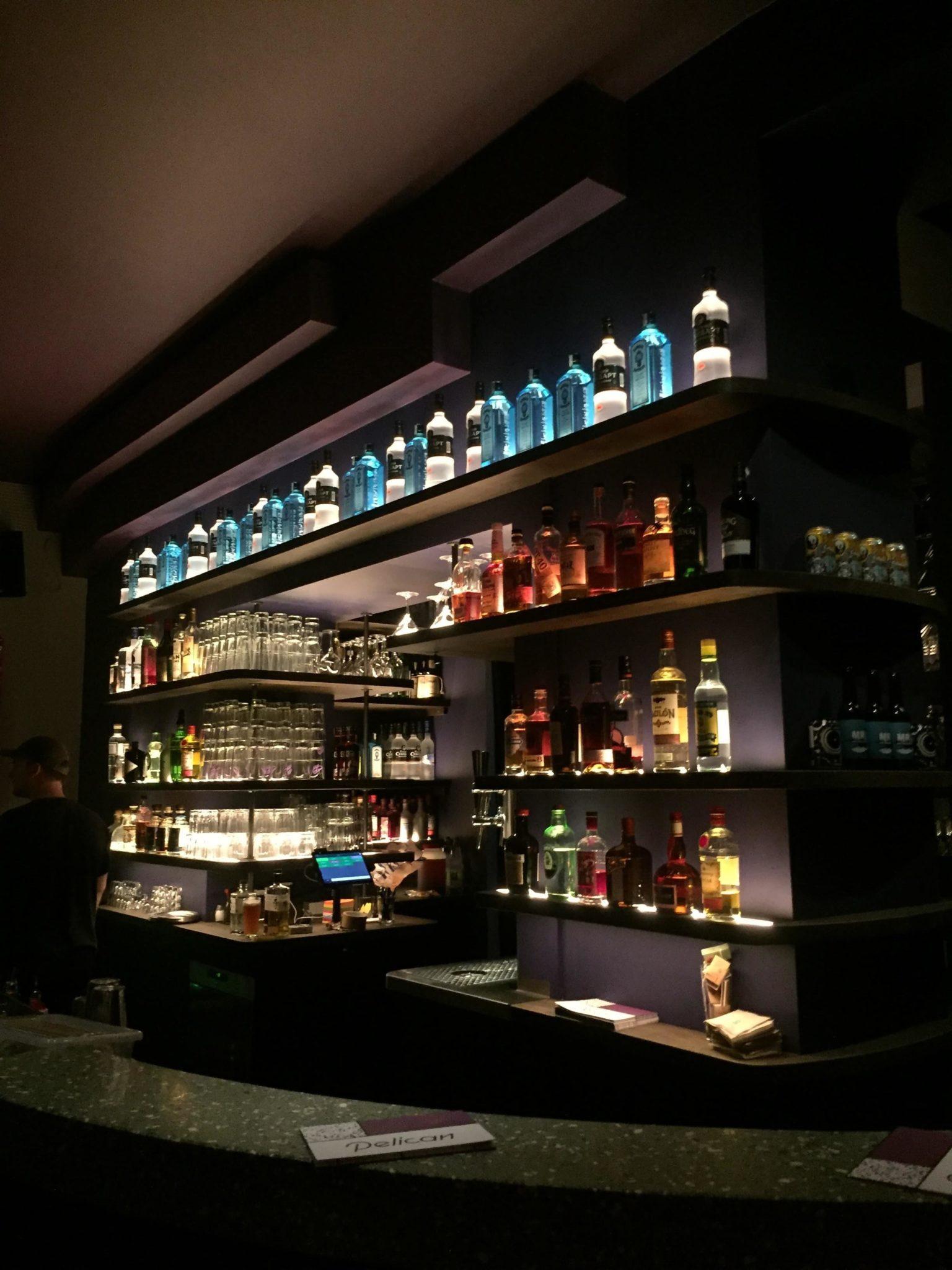 Einblick in die Pelican Bar in Hamburg