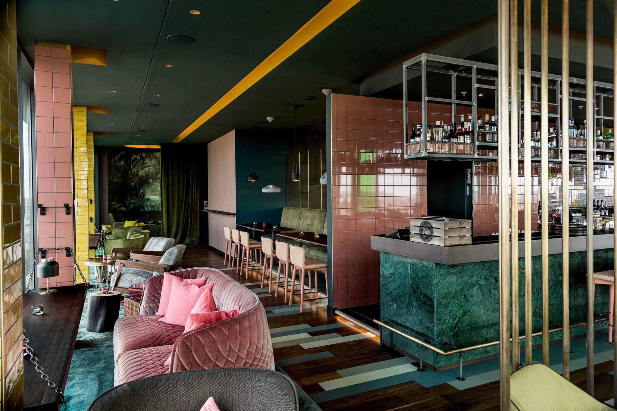 Das Interior in der Loft14 Bar in Berlin