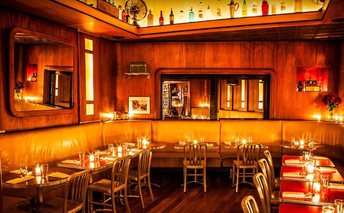 der tresen der employees only bar in new york 5