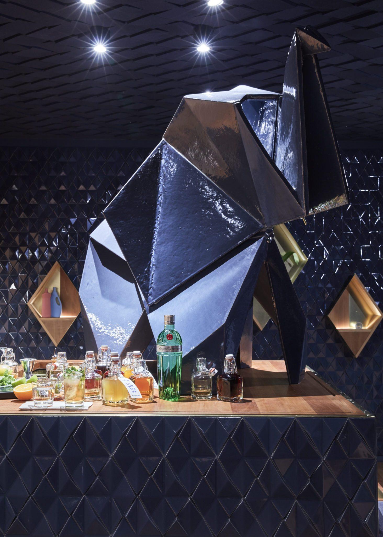 Der Tresen der Bar Bonechina in Frankfurt