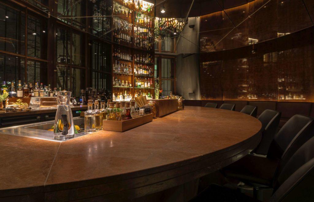 Der Tresen der Bar